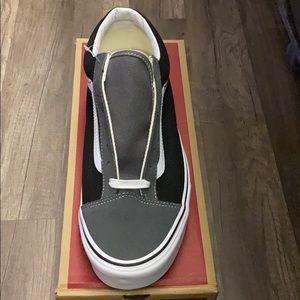 Vans Shoes - Mens Vans Style 36
